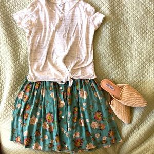 Mink Pink floral skirt size small